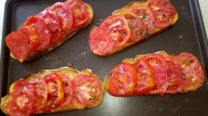 Bruschetta jambon de campagne et tomates