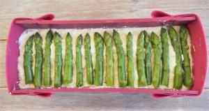 montage du cheescake aux asperges et parmesan